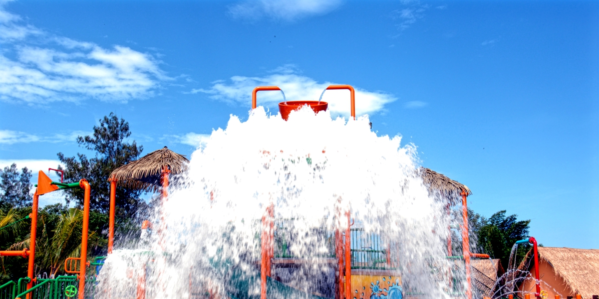 Waterbucket drops @ The Carnivall Waterpark